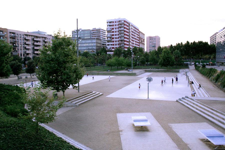 Cursa d'orientació al parc de Diagonal Mar