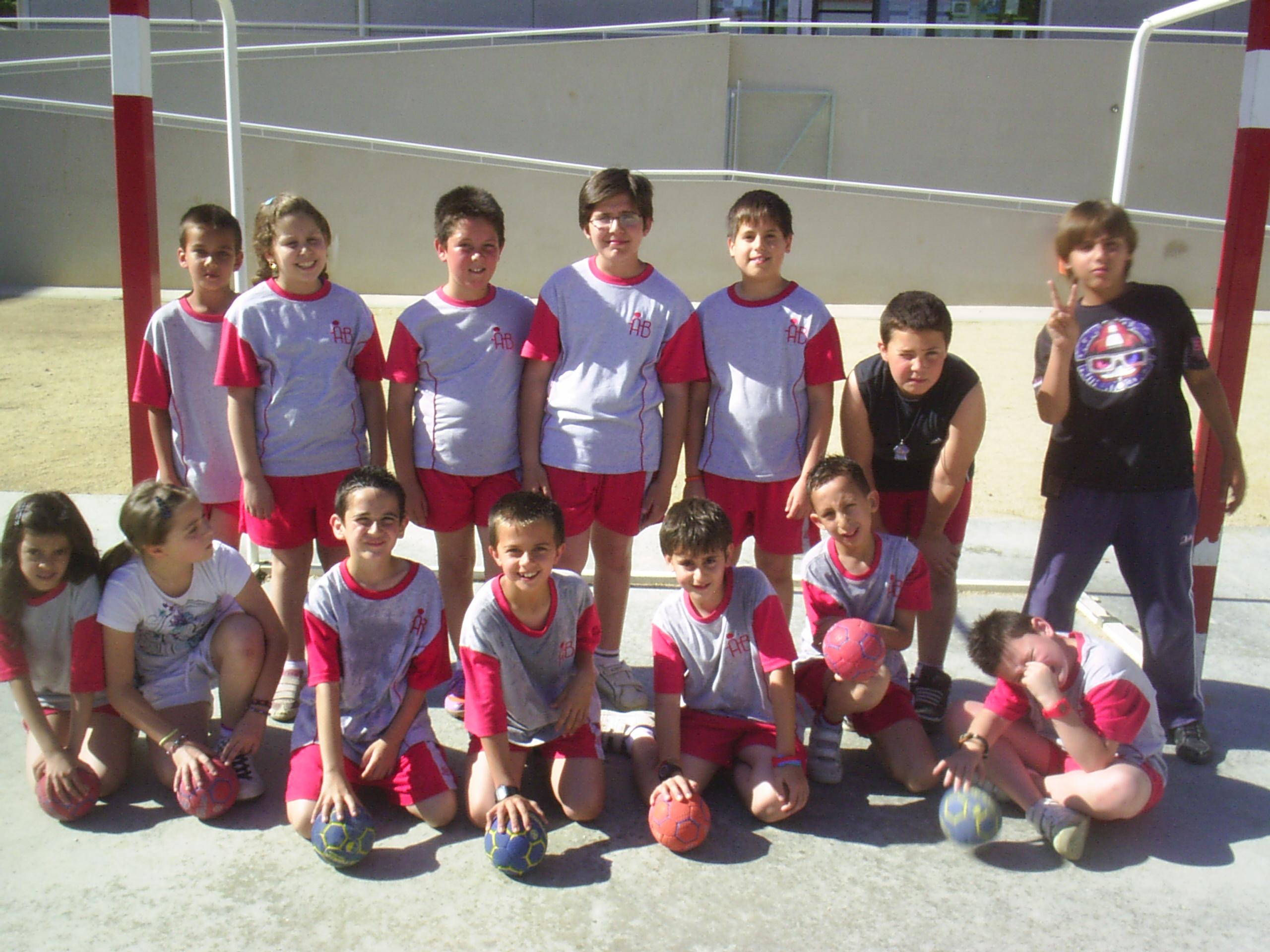 Equips d'handbol de l'escola